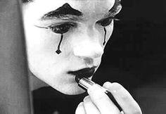 Ainda que o tenha de mascarar, o desejo de te ter na minha vida está lá, nas alegrias e nas tristezas do meu rosto
