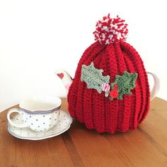 am I allowed to post Christmas makes now??? ☺️ #cottageindustryshopchristmas #crochetteacozy #teacozy #teacosy