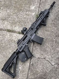Airsoft hub is a social network that connects people with a passion for airsoft. Talk about the latest airsoft guns, tactical gear or simply share with others on this network Airsoft Guns, Weapons Guns, Guns And Ammo, Rifles, Battle Rifle, Ak 47, Custom Guns, Cool Guns, Assault Rifle