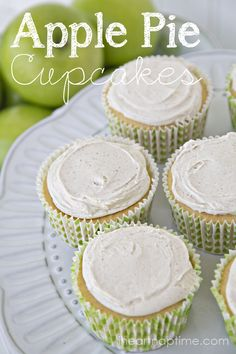 Apple Pie Cupcakes recipes with Cinnamon Cream Cheese Frosting! Add this to your cupcake dessert recipes! Apple Desserts, Apple Recipes, Just Desserts, Sweet Recipes, Easy Recipes, Fall Desserts, Apple Pie Cupcakes, Yummy Cupcakes, Chocolate Cupcakes