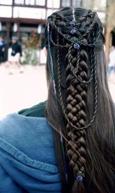 Celtic braid I really want someone to try this with my hair now Pretty Hairstyles, Braided Hairstyles, Wedding Hairstyles, Everyday Hairstyles, Updos Hairstyle, Braided Updo, Beehive Hairstyle, Ladies Hairstyles, Wedge Hairstyles