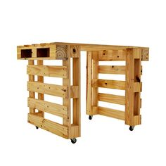 Break Down a Pallet the Easy way for Wood Projects - Woodworking Finest Pallet Desk, Pallet Crates, Pallet Shelves, Wooden Pallets, Pallet Furniture, System Furniture, Furniture Plans, Wooden Dog House, Build A Dog House