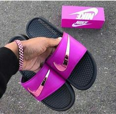 Trendy Ideas For Womens Sneakers : (notitle) Cute Nike Shoes, Cute Nikes, Nike Air Shoes, Nike Air Max, Nike Slides, Pool Slides, Nike Fashion, Sneakers Fashion, Shoes Sneakers