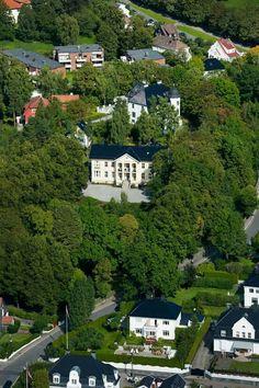 Madserud gård, Madserud allé 34, 0274 Oslo, Norway / Villa Malakov, Madserud allé 36, 0274 Oslo, Norway