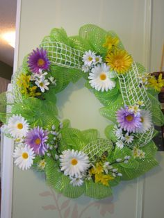 Spring deco mesh wreath created at the Cottage by DonElla Nielsen