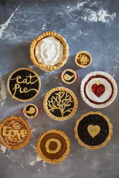 Lattice Pie Crust, Easy Pie Crust, Pie Crusts, Pie Crust Designs, Pie Decoration, Pies Art, Holiday Pies, Thanksgiving Holiday, How To Make Pie