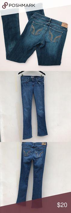 Hollister Boot Cut Dark Wash Jeans super cute dark wash jeans - boot cut - in really good condition - hollister Hollister Jeans Boot Cut