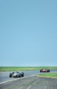 Fantastic collection of vintage F-1 racing photography. Hires. Thanks Amjayes!