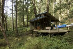 Cabin on San Juan Island, Washington. Photographed by Kate Sawyer. via Cabin Porn