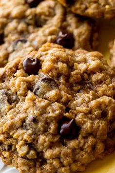 Soft and chewy, these oatmeal chocolate chip coconut cookies are the best of all cookie worlds.  #chewychocolatechunkcoconutoatmealcookies #chewychocolatechunkcookies #chewychocolatechunkcookie #chewychocolatechunkcoconutoatmeal #chewychocolatechunkcookiedough #chewychocolatechunkcookies🍪 Blueberry Oatmeal Cookies, Oatmeal Coconut Cookies, Coconut Chocolate Chip Cookies, Chocolate Chip Oatmeal, Chocolate Recipes, Easy Pasta Recipes, Dinner Recipes, Easy Meals, Dessert Recipes