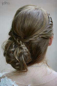 esküvői frizura fonat Long Hair Styles, Beauty, Fashion, Moda, Fashion Styles, Long Hairstyle, Long Haircuts, Long Hair Cuts, Beauty Illustration