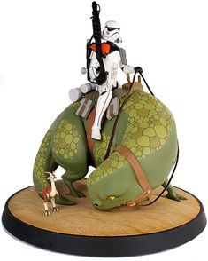 StarWars sand trooper on dewback statue! I'm not sure if this is a custom model, but it's a fantastic piece anyway!