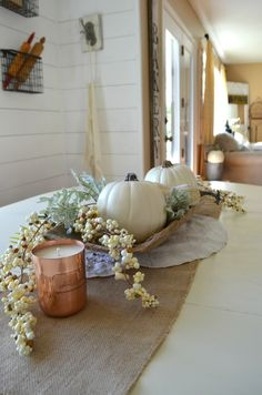 Hi friends! Today's post is all about aneutral fall centerpiece that I've been loooooving in our breakfast nook lately. And even better, this post is part of a funhometour I'm doing with a group of talented bloggersand we're all sharing purdy fall decor. How fun is that?! If you're joining me from Laura with Junque...Continue Reading