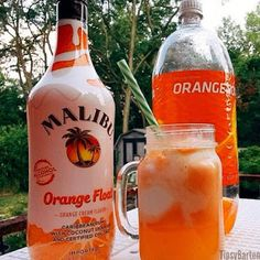 Malibu Orange Float From Tipsy Bartender 2 oz Malibu Orange 2 oz Orange soda 2 scoops vanilla ice cream Party Drinks, Cocktail Drinks, Fun Drinks, Craft Cocktails, Refreshing Drinks, Summer Drinks, Summer Drink Recipes, Summer Fun, Summer Time