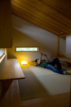 袋井の家 畳の書斎: 木名瀬佳世建築研究室が手掛けた書斎&オフィスです。