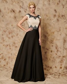 CAROL  Long evening dress with lace details on the bust CODE: 32172