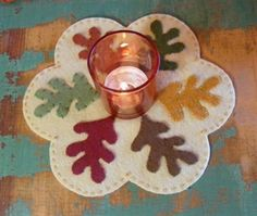 Picture of Scattered Leaves Autumn Freebie Candle Mat