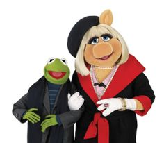 Kermit and Miss Piggy Gallery Miss Piggy Muppets, Kermit And Miss Piggy, Kermit The Frog, Jim Henson, Muppets Most Wanted, Kid Movies, Best Couple, Doll Toys, Dolls