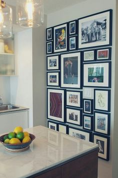 64 outstanding gallery wall decor ideas 65 ~ Design And Decoration Family Pictures On Wall, Wall Decor Pictures, Family Wall, Family Picture Walls, Decoration Pictures, Hanging Pictures, Family Photo, Photowall Ideas, Diy Home Decor