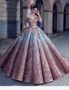 Kleider - ღ sаℓσмé ღ sєrт ღ Informationen zu gowns Pin Sie können mein Profil ganz einfach verw - Cute Prom Dresses, Dream Wedding Dresses, Ball Dresses, Elegant Dresses, Pretty Dresses, Bridal Dresses, 15 Dresses, Luxury Wedding Dress, Ball Gowns Prom