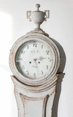 Clock Hourglass Time:  Mora Love.