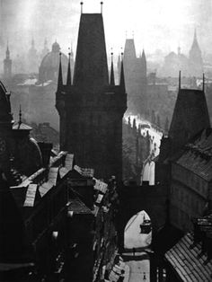 Karel Plicka, Bridge Street, from 'Prague in Pictures Prague Architecture, Dark City, Prague Czech Republic, Medieval World, World Cities, Photomontage, Old Pictures, Black And White Photography, Amazing Photography