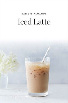 You're growing bored of your usual coffee order. This Almande iced latte is just the thing you need to put a little pep in your step. Healthy Diet Recipes, Healthy Diet Plans, Ketogenic Recipes, Cooking Recipes, Weight Loss Detox, Weight Loss Drinks, Fun Drinks, Yummy Drinks, Cold Drinks