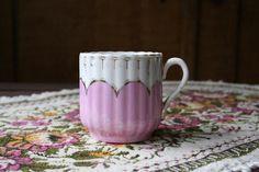 Rózsaszín-fehér filigrán csésze