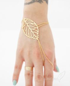 LIMITED TIME// Veiny Leaf Index Finger Slave Bracelet, 16k Gold Plate plus Extension, Slave Bracelet von Bumhemian auf Etsy https://www.etsy.com/de/listing/123960063/limited-time-veiny-leaf-index-finger