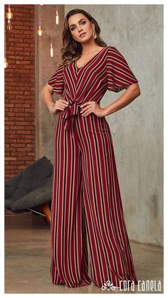 Outfits ideas & inspiration : Today you will learn the best 30 Ideas of Outfits with lines, Looks with clothes with modern and stylish lines, Navy blue striped blouse Outfit, Look with Work Fashion, Hijab Fashion, Fashion Dresses, Fashion Design, 30 Outfits, Vetement Fashion, Jumpsuit Pattern, Casual Jumpsuit, Mode Hijab
