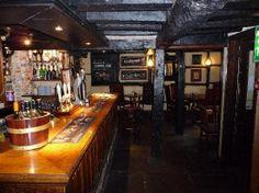 salisbury, england inns | New Inn & Old House Pub, Salisbury, England.