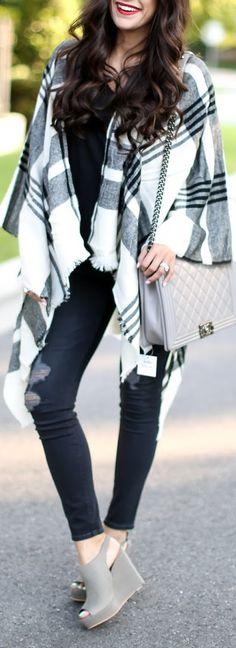 Fall Poncho Outfit Idea