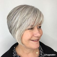 If only we could all get that perfect #greyhair like @caryumhau. Not to mention the awesome #haircut by @katemariedoeshair. #hugosalon