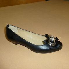 Soft: Γόβα, Δέρμα, Εγκράφα σπιράλ (Κωδικός: 210.913) > Tresor by Yiannis Xouryas > www.e-Tresor.gr & www.GreekShoes.Net Salvatore Ferragamo, Flats, Shoes, Fashion, Loafers & Slip Ons, Moda, Zapatos, Shoes Outlet, Fashion Styles