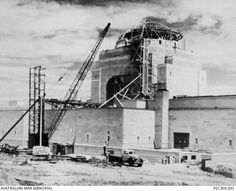 The construction of the Australian War Memorial in the very early Freedom Of The Press, Australian Continent, Largest Countries, Amazing Pics, Small Island, Tasmania, Politicians, Brooklyn Bridge, Continents
