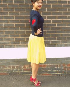 I wear my heart on my sleeves: DIY heart elbow patch http://pridenstyle.blogspot.co.uk/2014/09/diy-i-wear-my-heart-on-my-sleeve.html