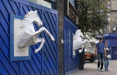 """What defines great advertising? How about when it jumps out at you, capturing your attention, making you stop and stare. Agency FOAM recently worked with a new band Dry the River to help them promote their next single """"No Rest."""" FOAM's intern Xavier Barrade created these amazing 3D paper-crafted horses and used them as posters in London. Barrade designed the horses in 3D using Google Sketch Up, then he printed them out and assembled the parts. Brilliant and eye-catching!"""