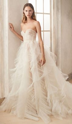 Renowned for marrying traditional craftsmanship with contemporary design, Oscar de la Renta's Autumn 2020 bridal offering serves up a collection that is every part the modern bride's dream Wedding Gowns, Wedding Day, Wedding Shit, Gorgeous Wedding Dress, Dream Dress, Bridal Collection, Trendy Wedding, Dress For You, Bridal Style