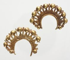 Roman, Pair of crescent-shaped earrings, 1st century BCE-2nd , gold