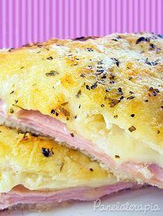 Misto quente é quase uma paixão nacional. Por amor oucomodidade, o fato é que presuntoe queijo são figurinhas carimbadas na maioria das geladeiras e um sanduba quebra um super galho qua…