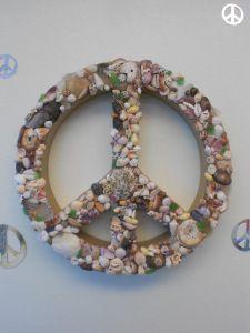 Seashell Peace Wreath
