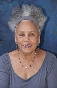 Article with influential African-American women in the art scene.
