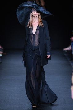 Ann Demeulemeester Spring 2014 Ready-to-Wear Collection Slideshow on Style.com