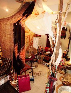 Tente Touaregs aménagée pour l'anniversaire de la boutique Loubess. Loubess 1er anniversaire du 25/10 au 07/12 #marseille #vieuxport
