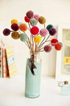 DIY Crafts with Pom Poms - Pom Pom Blumchen - Fun . DIY Crafts with Pom Poms – Pom Pom Blumchen – Fun Yarn Pom Pom Crafts Ideas. Garlands, Rug and Hat Tutorials, Easy Pom Pom Projects for Your Room Decor and Gifts diyprojectsfortee… Twig Crafts, Pom Pom Crafts, Diy And Crafts, Arts And Crafts, Room Crafts, Seashell Crafts, Beach Crafts, Creative Crafts, Decor Crafts