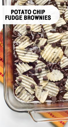 Chocolate + Potato Chips = one delicious dessert combination. Whether you're hosting a backyard barbecue or need a packable dish for an outdoor summer adventure, this sweet and salty treat is always a good idea. Just Desserts, Delicious Desserts, Yummy Treats, Sweet Treats, Dessert Recipes, Yummy Food, Cafe Recipes, Delicious Chocolate, Brownie Recipes