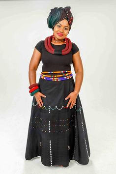 African Fashion Skirts, African Inspired Fashion, African Dresses For Women, African Print Fashion, African Women, African Traditional Wedding Dress, African Fashion Traditional, Traditional Outfits, Xhosa Attire