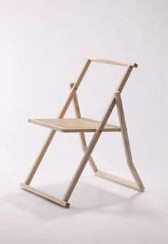 Japanese interior designer Yoshiyuki Hibino recently presented this beautiful, super-sleek folding chair in Tokyo. This is part of his new series: 'Line' and I love the elegance and Japanese expression — but also the sensibility of the design.