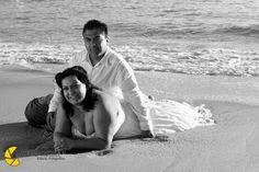 Utiliza tu vestido y diviértete ideal para tu boda en playa por Bodas Huatulco