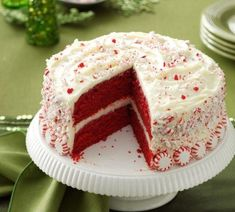 Peppermint Red Velvet Cake Peppermint Red Velvet Cake Source by taste_of_home Red Velvet Birthday Cake, Red Velvet Wedding Cake, Best Red Velvet Cake, Cake Birthday, Peppermint Cake Roll, Peppermint Brownies, Cookies From Scratch, How To Make Cheesecake, Elegant Desserts